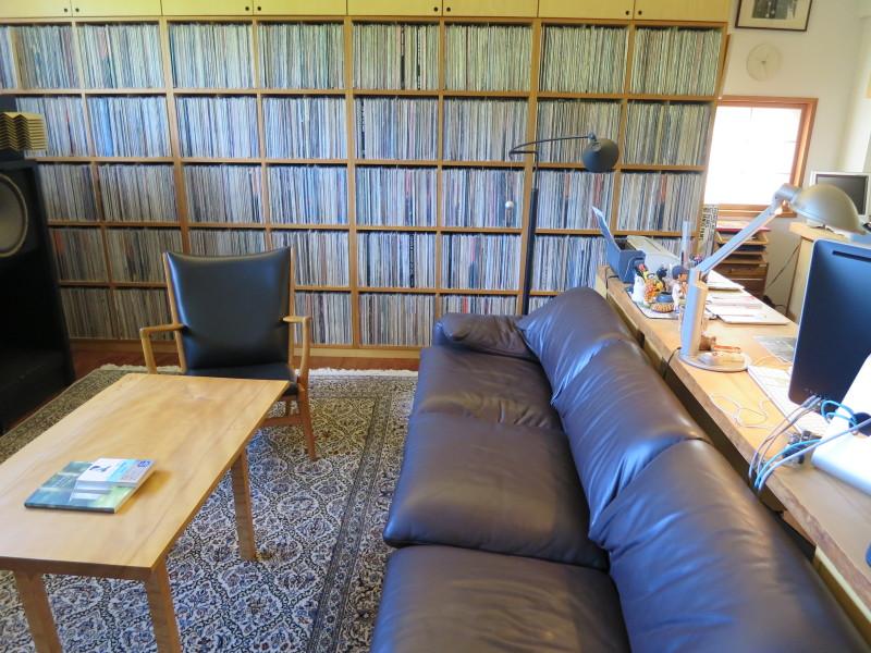 村上春樹がプライベートな書斎を公開。これが仕事ができる男のデスクだ。 Netgeek
