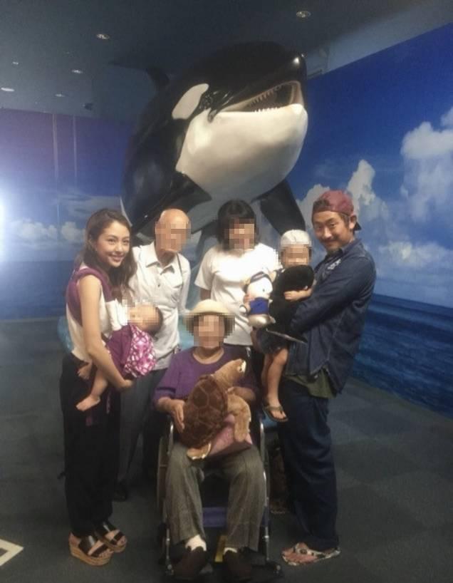 豊嶋悠輔はメディアの突撃取材に対して「もう絶対おでんとかツンツンしないです。すみませんでした」と話している。